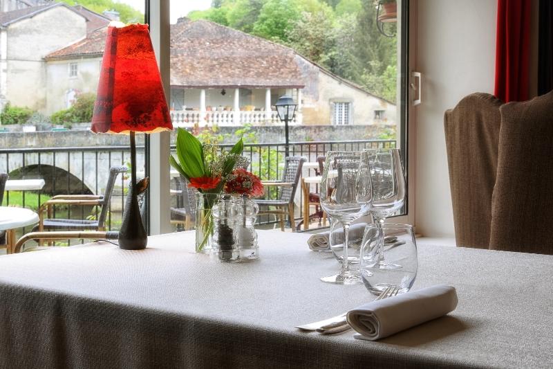 Hôtel Restaurant Charbonnel